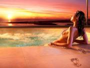 Femme piscine-plage