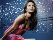 Vanessa Marcil en robe rose
